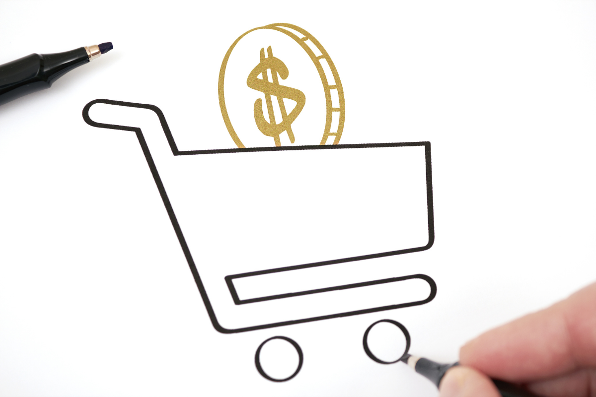 How can Virtual Reality reduce operational costs for retailers